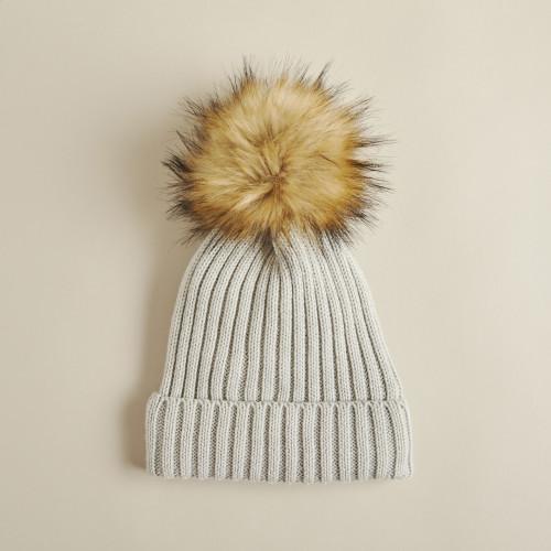 winter accessories: beanie