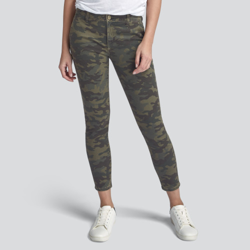 what to wear: camo pants