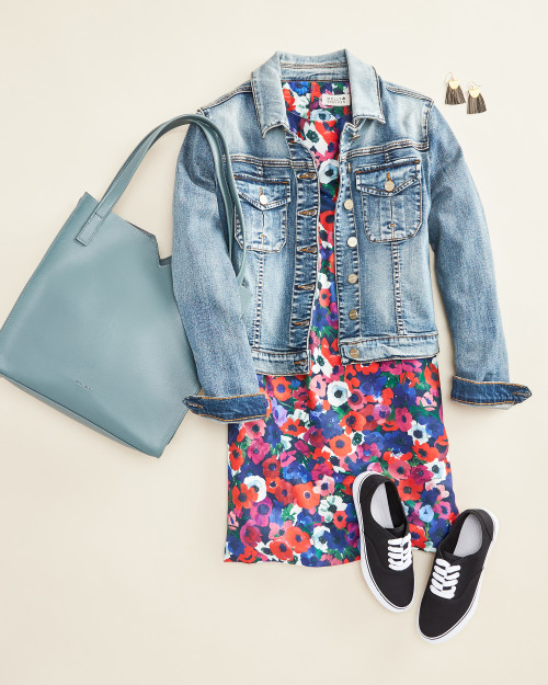 travel outfit: floral dress with denim jacket