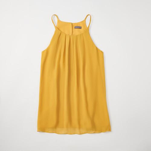 summer business casual: sleeveless blouse