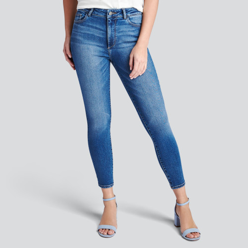 summer getaway: high waisted jeans