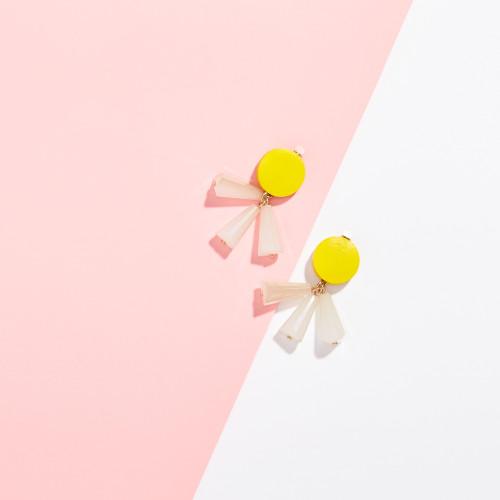 wedding guest accessories: stud earrings