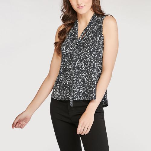 fall wardrobe: sleeveless blouse
