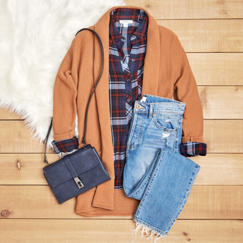 friendsgiving outfit ideas: plaid and cardigan