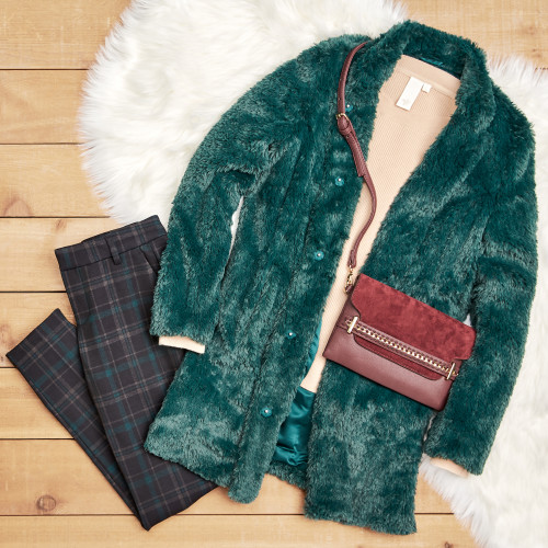 friendsgiving outfit ideas: faux fur jacket and plaid pants