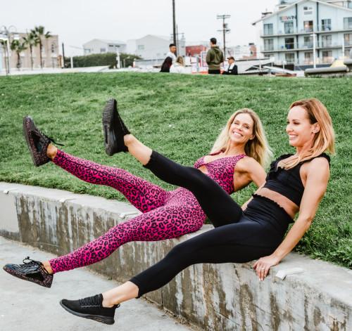 total body workout: scissor kicks