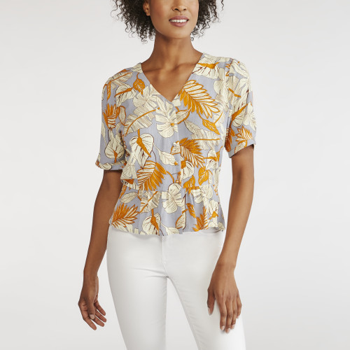 resort wear: floral blouse