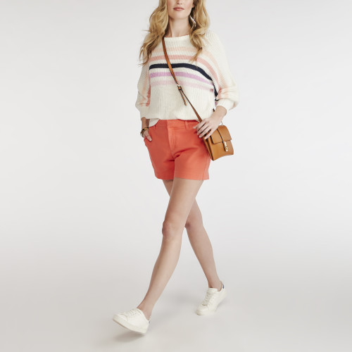 resort wear: chino short