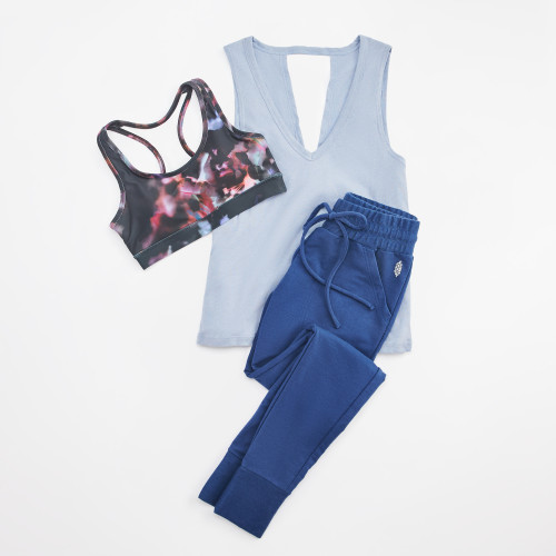 take it easy: blue joggers