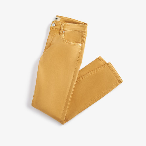 spring fashion: yellow jeans