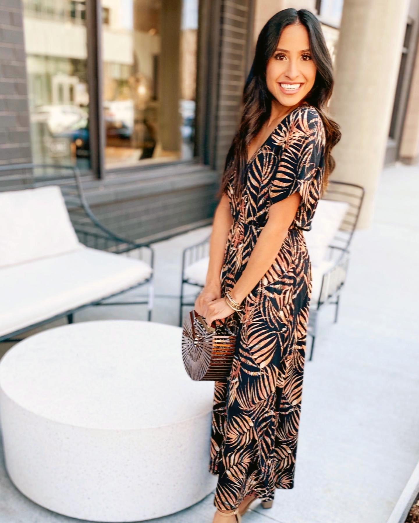 Woman in kimono maxi dress - @fancyinthefoothills - Casual summer dresses subscription box